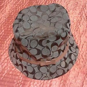 Coach bucket hat (small)